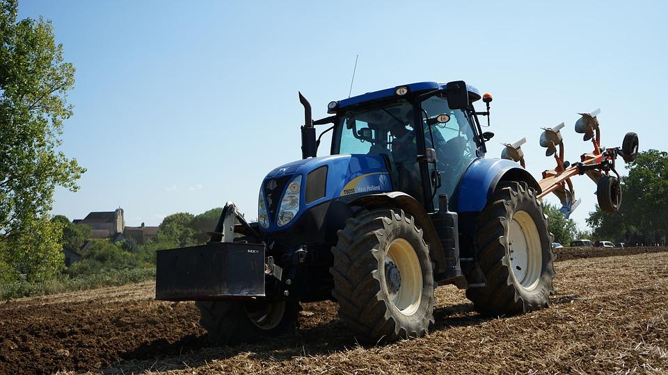 Ilustracja do informacji: Rolnicy mogą składać wnioski o zwrot podatku akcyzowego na paliwo rolnicze